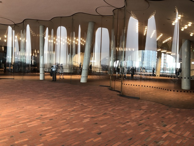 hamburg elbphilharmonie waiting hall2