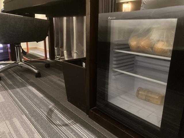 aloft-taipei-zhongshan fridge