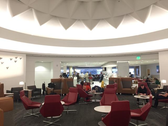 LAX lounge aa-1