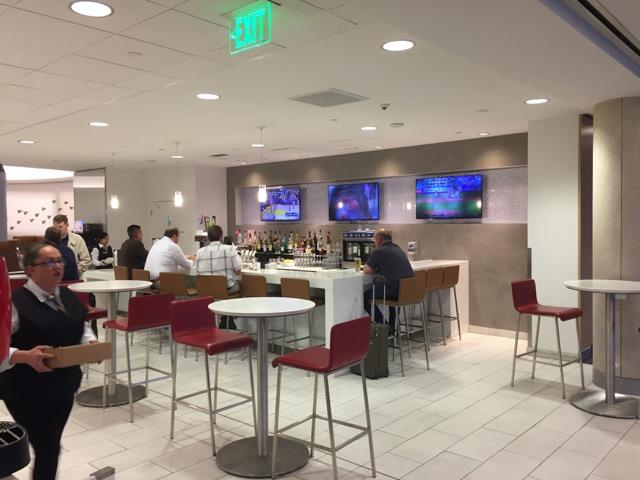 LAX lounge aa-3