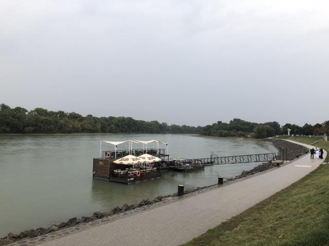 szentendre river bank