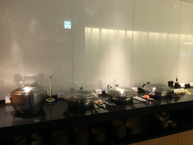 cx-lounge-narita food