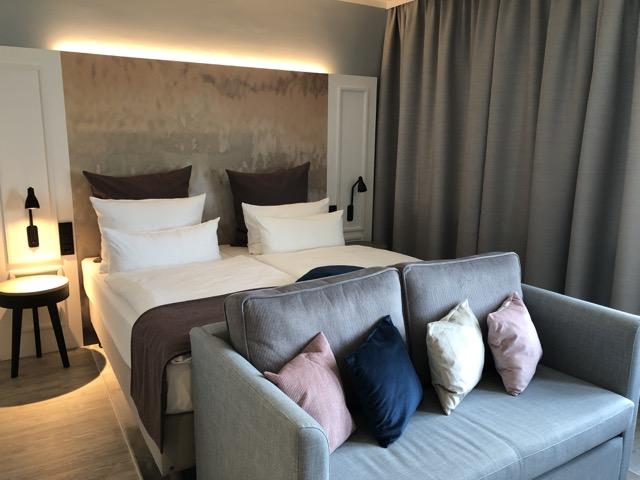 quality inn hamburg bed sofa
