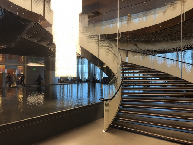 doha business lounge upstairs