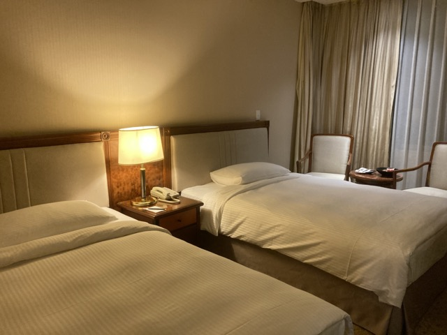 evergreen-laurel-hotel bed2
