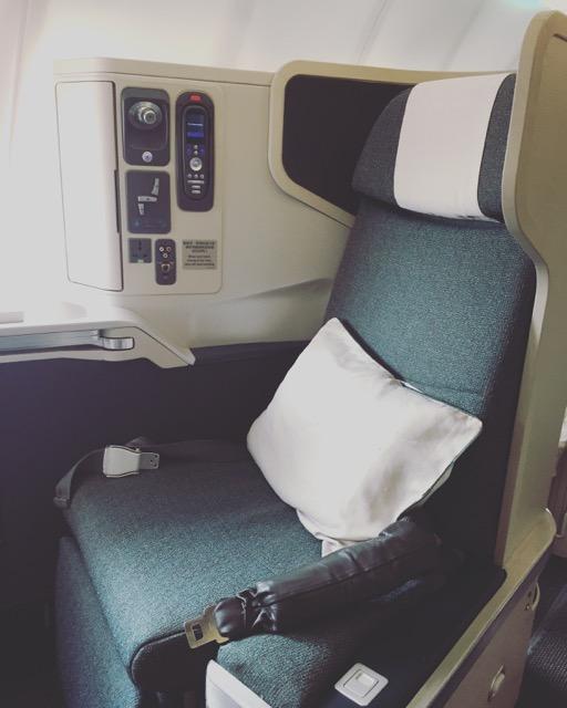 [飛行體驗] CX471 國泰航空商務艙 (TPE台北-HKG香港)