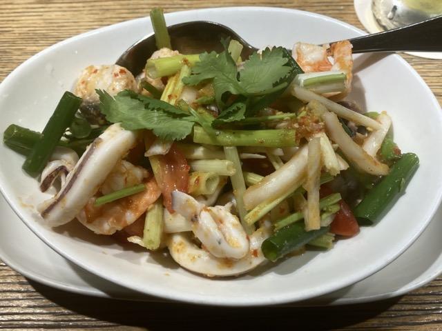 jolly-beer-thai-cuisine-restaurant 1