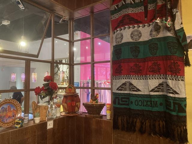 taipei-mexican-cuisine-teotihuacan window
