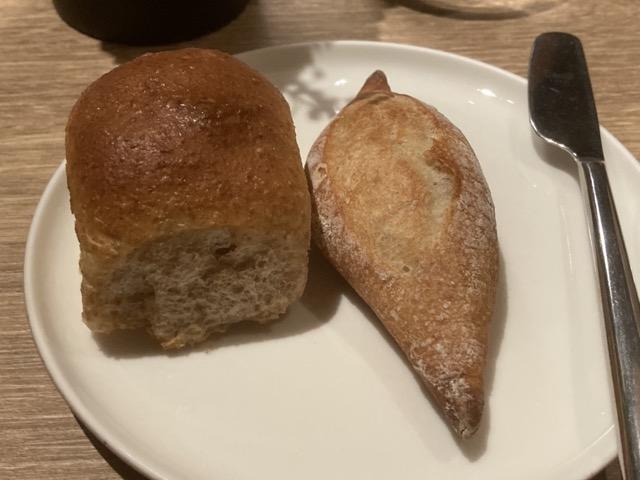 robin-steak-house bread