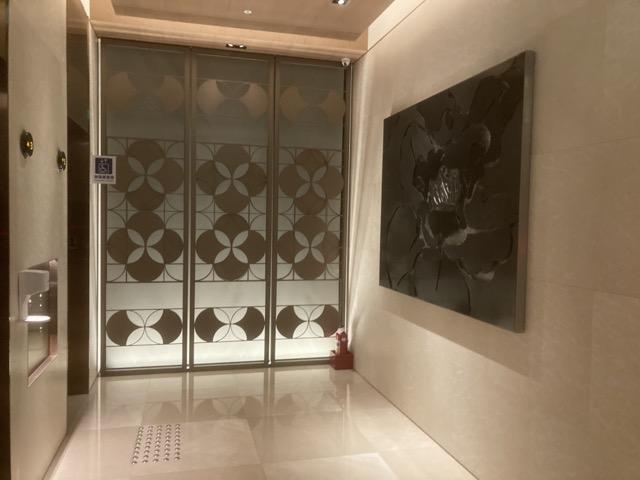 double-tree-zhong-shan-taipei-taiwan elevator