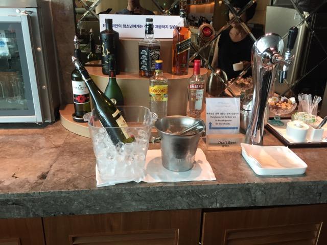 asiana lounge wine and alcohol