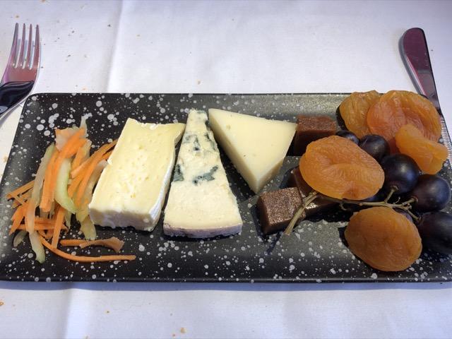 qr1 cheese plate