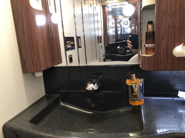 qr815 restroom