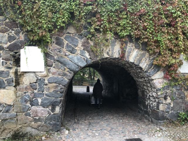 suomenlinna cave