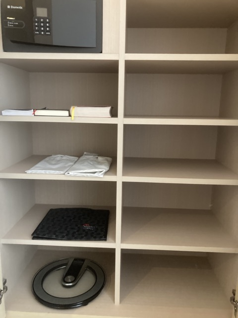 taipei-marriott-comfort-suite-room-wardrobe2