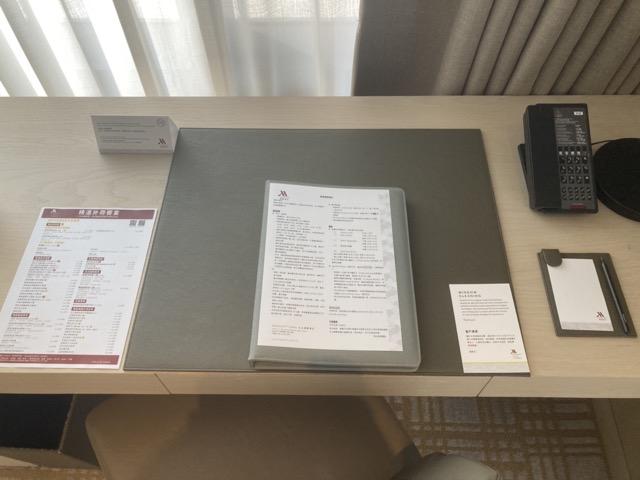 taipei-marriott-comfort-suite-room-desk