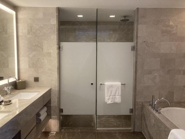 taipei-marriott-comfort-suite-room-bathroom2