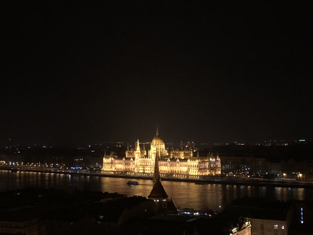 fishermans bastion nightview