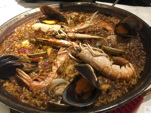 La Fonda seafood paella