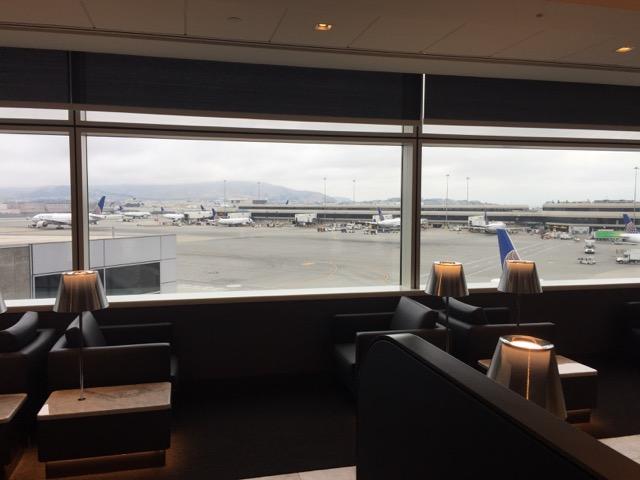 ua sfo lounge window view