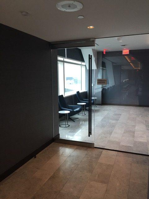 ua sfo lounge shower room entrance