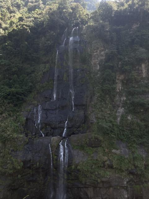 wulai-old-street-waterfall2