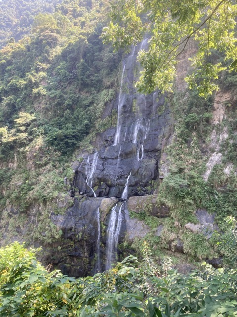 wulai-old-street-waterfall